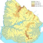 Mapa de Uruguay físico e hidrográfico mudo